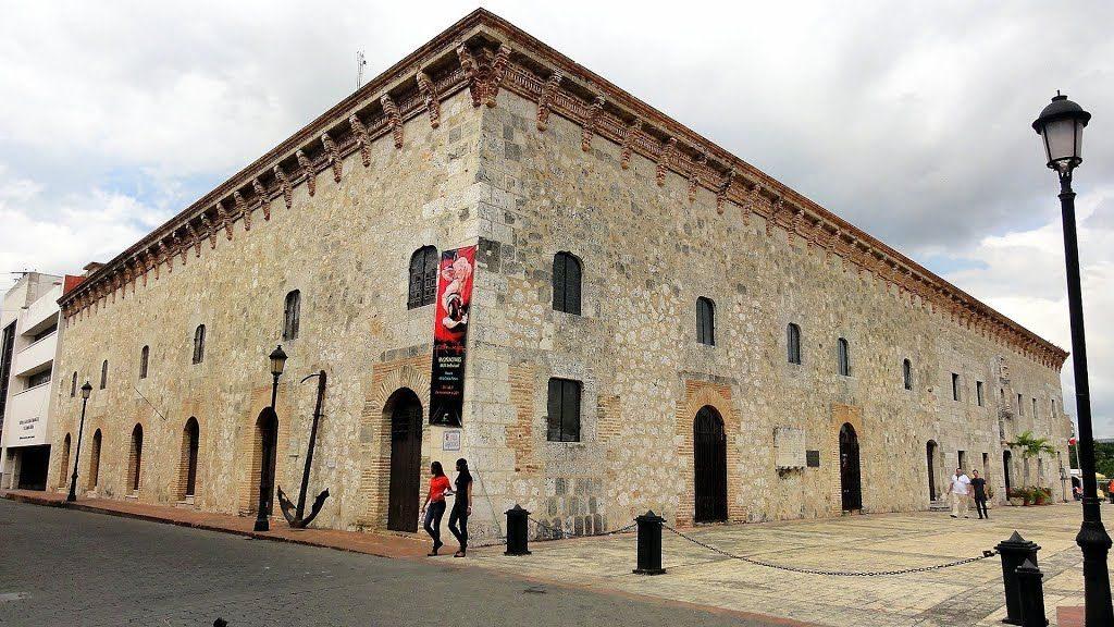 , ADOMPRETUR invita a charla sobre gastronomía y turismo cultural en Feria del Libro